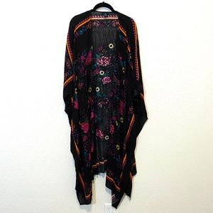 Rue+ Black Floral Kimono